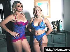 Blond mamma hotty Vicky Vette Rubs Hitachi With Cristi Ann!