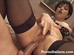 Moglie italiana inculata - sesso anale - italian dame italian seductress developed